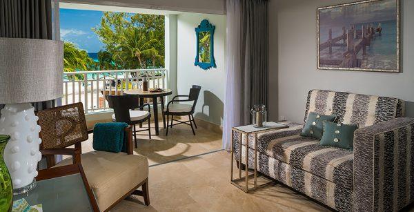 Beachfront Club Level Suite