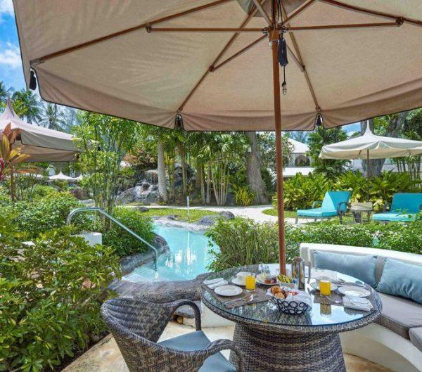 Luxury Swim-Up Poolside Room