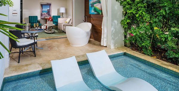 Crystal Lagoon Swim-Up One Bedroom Butler Suite with Patio Tranquility Soaking Tub